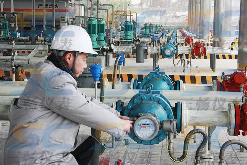 椭圆齿轮流量计在中石化油库的安装现场(容积式流量计)