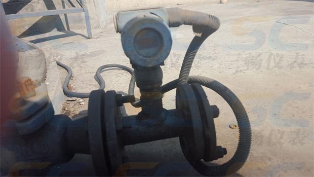 液位变送器安装现场(压力变送器测量液位,定制单位 cm显示)